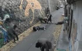 [VIDEO] Định giở trò đồi bại, 6 tên côn đồ bị