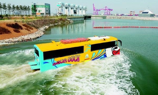[VIDEO] Cận cảnh chiếc xe buýt 'biết bơi' độc đáo ở Hàn Quốc