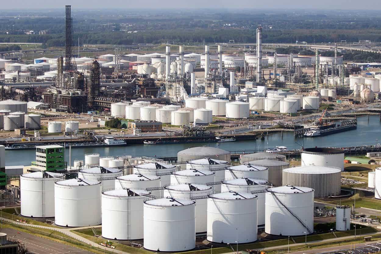 Dự trữ dầu toàn cầu tác động như thế nào đến giá dầu trong thời gian đại dịch