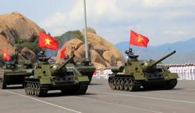 [ẢNH-VIDEO] Hải quân Việt Nam duyệt binh ở Cam Ranh