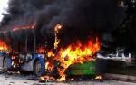 Pakistan: Đoàn xe rước dâu bốc cháy giữa đường