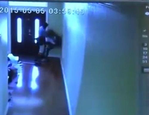 [VIDEO] Bé gái 13 tuổi may mắn thoát khỏi