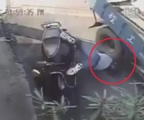 """[VIDEO] Thoát chết thần kỳ nhờ đội """"mũ bảo hiểm xịn"""""""