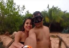 [VIDEO] Chụp ảnh tự sướng, đôi tình nhân suýt bị sét đánh trúng