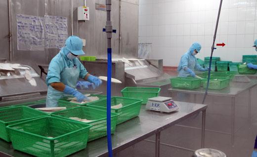 Giá điện và lời cảnh báo đối với doanh nghiệp Việt