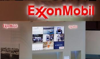 exxonmobil va chevron len ke hoach cat giam san luong dau da phien