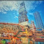 Dự báo giá dầu - Thị trường dầu thô vượt đỉnh
