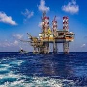 Tin thị trường: Đầu tư E&P giảm mạnh, cung dầu tăng