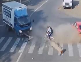 [VIDEO] Tai nạn giao thông: Khi thần chết ngủ quên