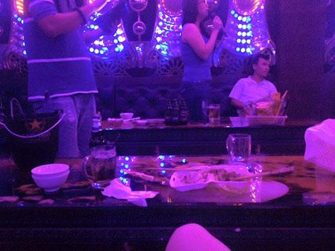 cam bay karaoke