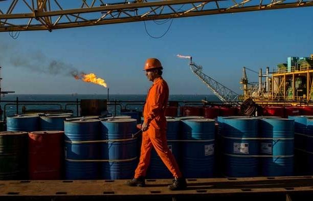 Giá xăng dầu hôm nay 31/7 quay đầu tăng