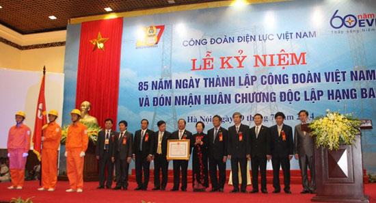 cong doan dien luc viet nam don nhan huan chuong doc lap hang ba