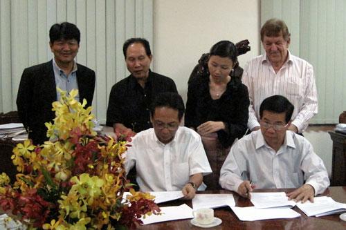 Tướng Nguyễn Việt Thành sẽ bị kiện?