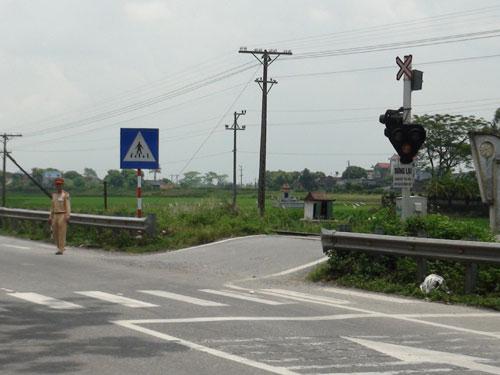 Nam Định: Bước qua đường sắt để đi vệ sinh, một người bị tàu hỏa cán chết
