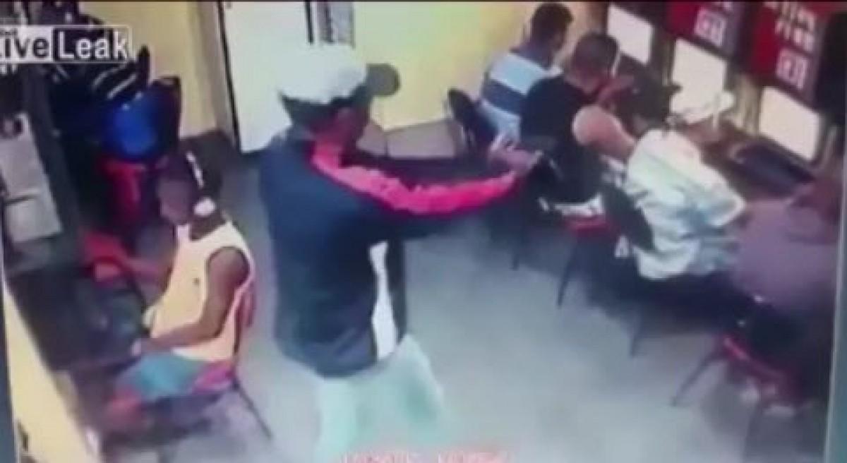 video ten sat nhan cam sung ban vo dau thanh nien trong quan net