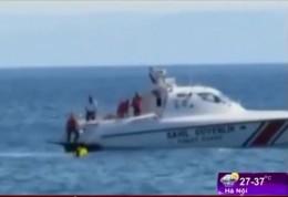 [VIDEO] Bé gái 10 tháng tuổi trôi dạt hơn 1 km trên biển