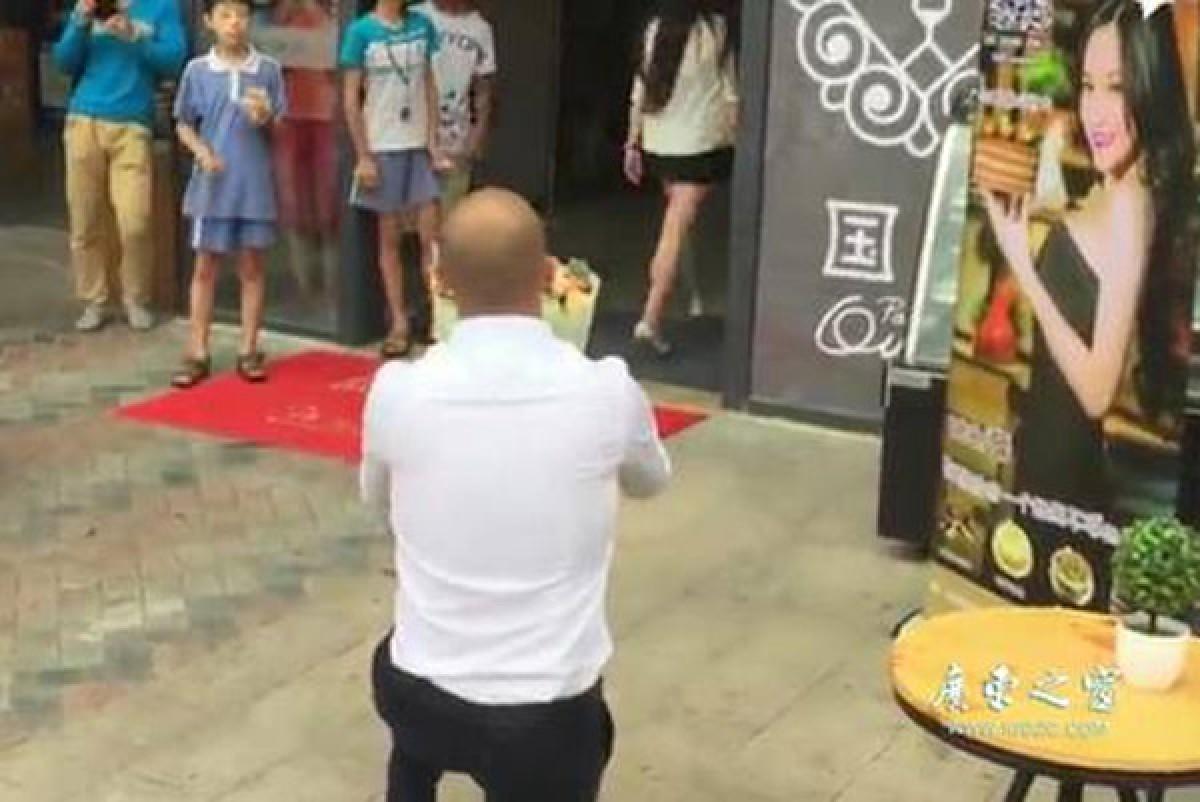 video mang 20 chiec bently ferrari lamborghini di cau hon van bi tu choi