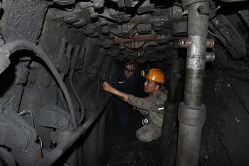 Than Mông Dương khai thác 830.000 tấn than