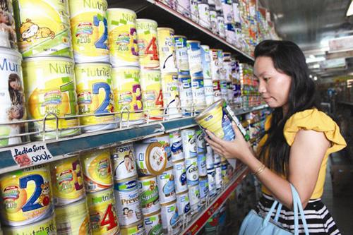 Quản lý giá sữa: Còn lắm gian nan!