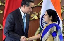 Ấn Độ ngửa bài với Trung Quốc