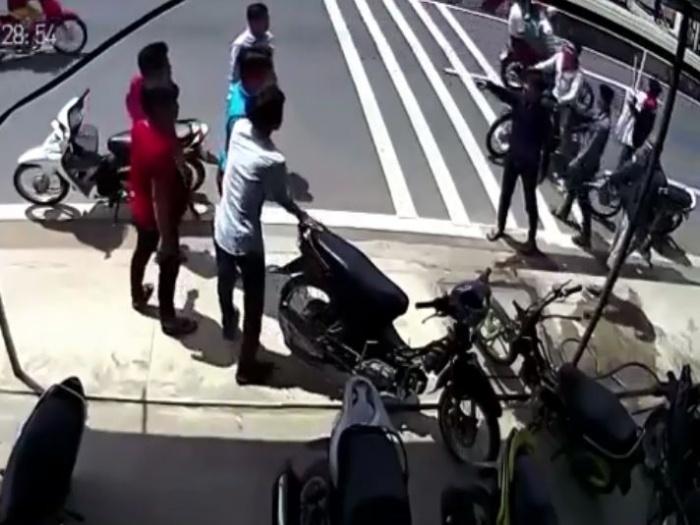 video con do cam dao rua chem nhau o cu chi