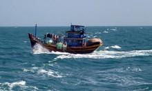 'Tàu lạ' ném nhiều bao tải, nghi chất nguy hại của Formosa xuống biển?