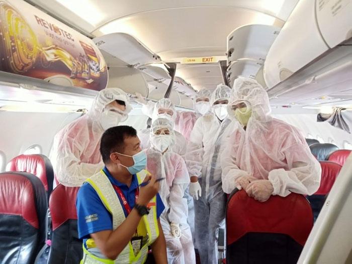Vietjet thực hiện chuyến bay hỗ trợ hành khách mắc kẹt tại Đà Nẵng  về Hà Nội, TP HCM
