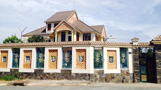 Thấy gì qua thu nhập 64 tỉ đồng của Chủ tịch tỉnh Bình Dương?