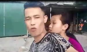 video hiep ga cho con gai mot tay lai xe mot tay quay phim khong doi mu bao hiem