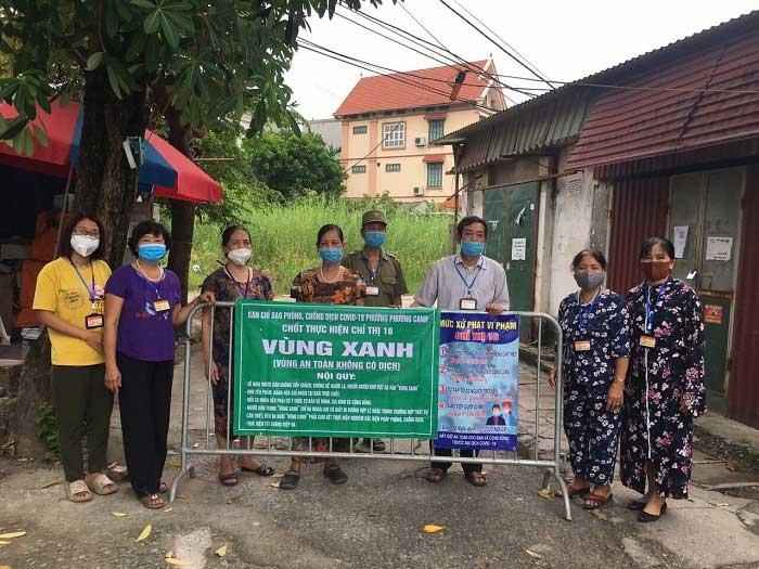 Người dân Hà Nội chung tay chống dịch