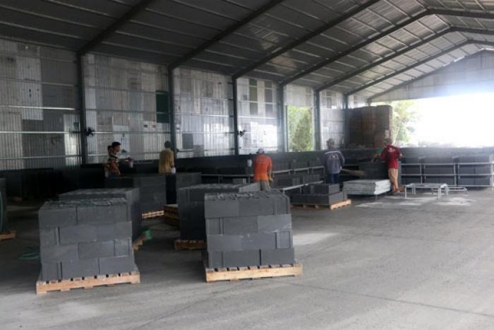 Xử lý tro xỉ ở Nhiệt điện Duyên Hải 1