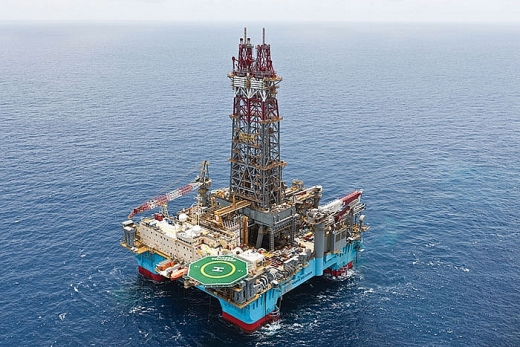 Maersk Drilling đạt được hợp đồng cho thuê giàn khoan bán chìm tại Malaysia