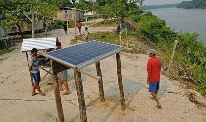 Năng lượng mặt trời trong rừng Amazon