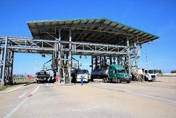 """Ngừng nhập khẩu xăng dầu khẩn cấp để """"cứu"""" 2 nhà máy Lọc dầu"""