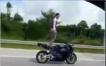 [VIDEO] Hot boy thể hiện màn