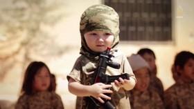 [VIDEO] Rợn người xem IS huấn luyện trẻ em chiến đấu