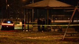 [VIDEO] Mỹ: Chơi súng giả, bé trai 12 tuổi bị cảnh sát bắn chết