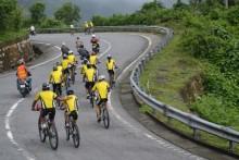 Đại sứ Anh, lãnh đạo Đà Nẵng đạp xe vì trẻ thơ