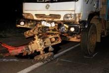 Xe tải kéo lê công nông 2km, 5 người tử vong
