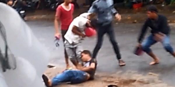 [VIDEO] Hai nhóm thanh niên cầm MBH hỗn chiến kinh hoàng