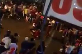 [VIDEO] TP HCM: Hai ông già Noel