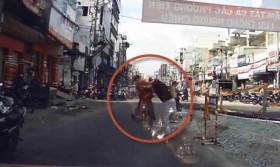 [VIDEO] Va chạm giao thông: đánh nhau như phim hành động