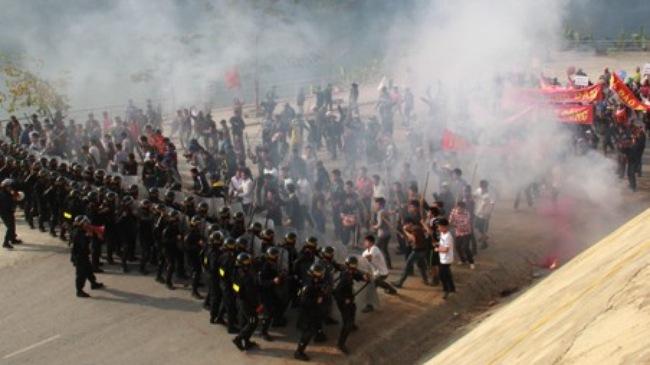 [VIDEO] Diễn tập chống khủng bố nhà máy thủy điện Sơn La