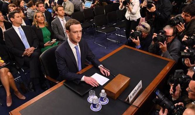 Facebook - Khi tương lai là màu xám!