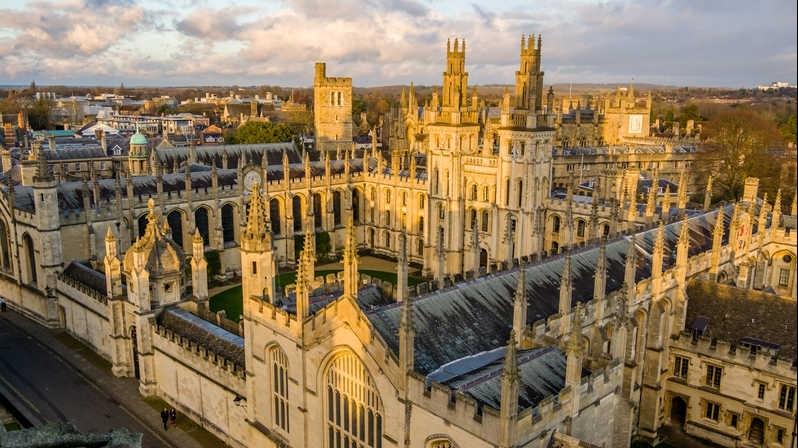 Ghé thăm 5 trường đại học lâu đời nhất thế giới
