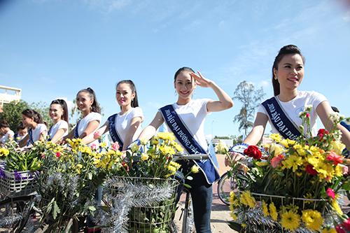 Người đẹp Hoa hậu Đại dương chung tay vì biển đảo quê hương