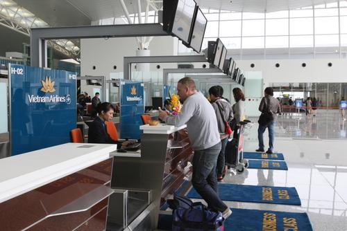 Nhà ga T2 - Nội Bài đón những vị khách đầu tiên
