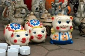 Nhộn nhịp chợ gốm sứ vỉa hè ngày giáp Tết