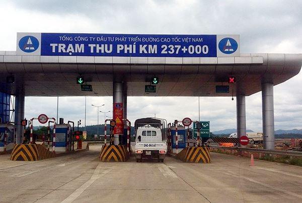Trạm thu phí trên cao tốc Nội Bài - Lào Cai bị sét đánh hỏng, thiệt hại 4,5 tỷ đồng