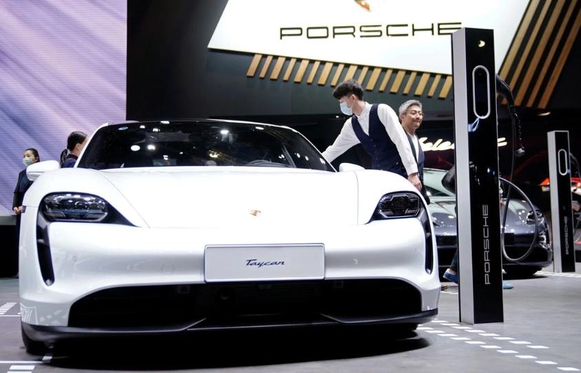Porsche lập liên doanh với nhà sản xuất pin của Đức